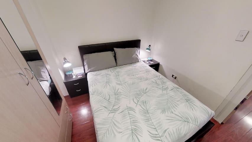 SINGLE ROOM IN FULLY FURNISHED FLATSHARE IN ULTIMO