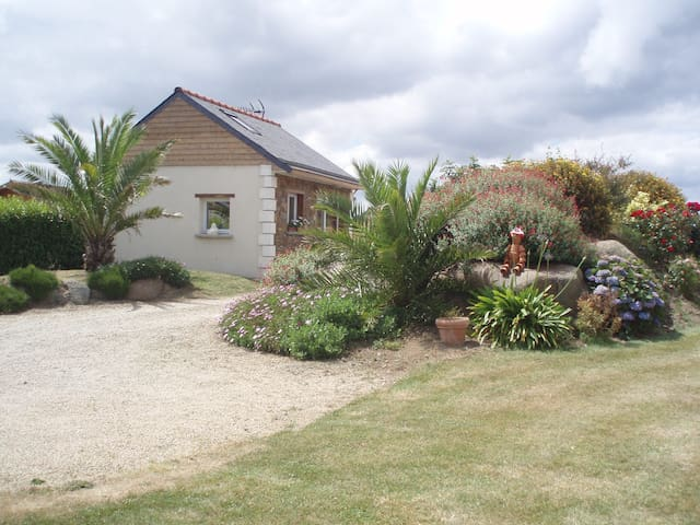 Maisonnette indépendante proche mer en Bretagne - Tréveneuc - Huis
