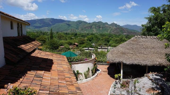 Hermosas suites con vista al valle de Malinalco
