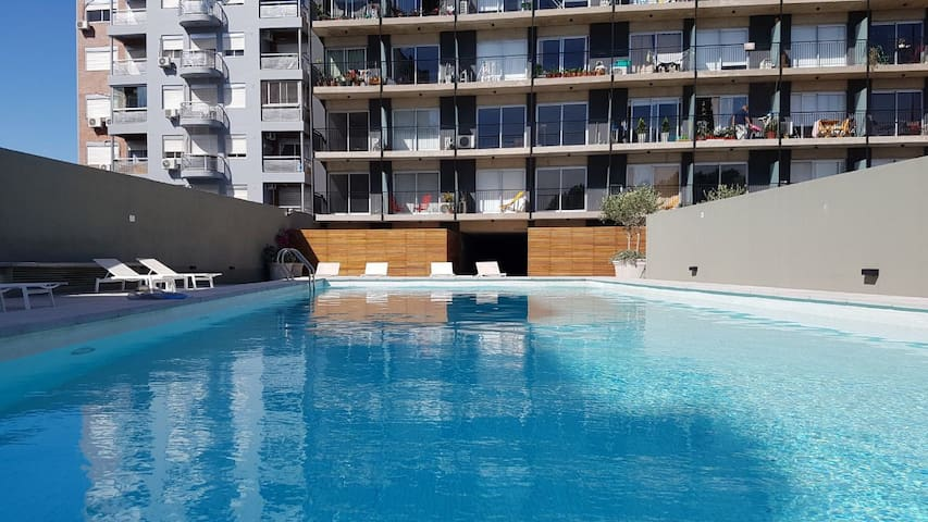 Lovely Studio in with pool, gym and laundry