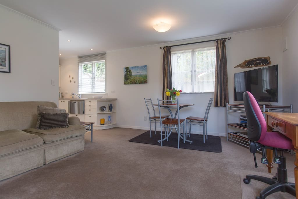Spacious Lounge with large flat screen TV and high speed WIFI