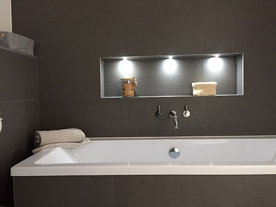 Spa like bath at home.