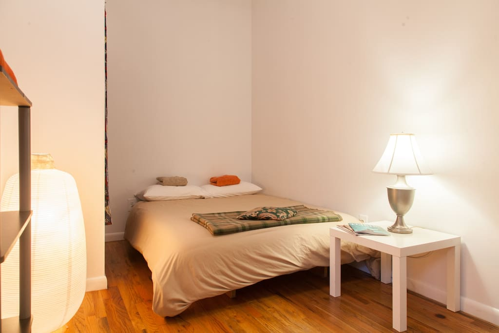 Spacious bedroom with queens size. The bed comfortable for two people, for an extra person we can set up a futon.