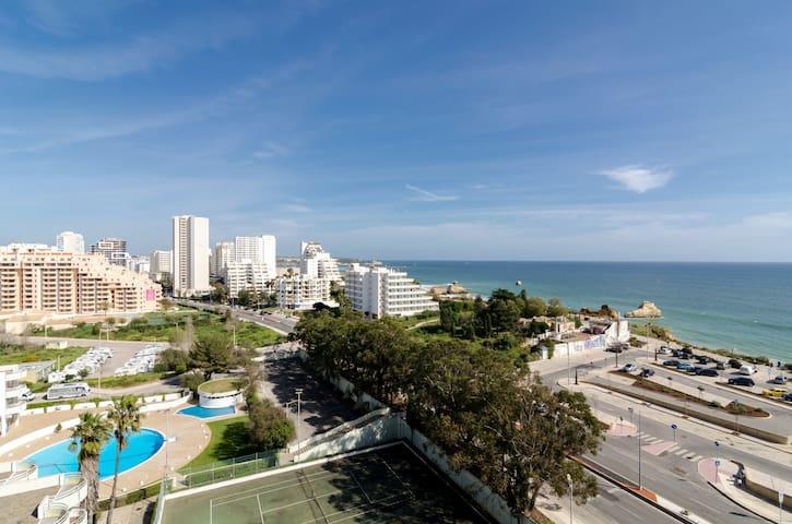 Beautiful Apartment 4p Beachfront - Portimão - Huoneisto