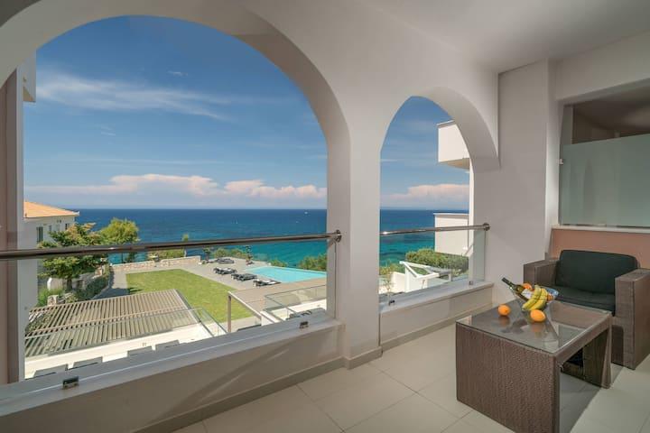 Kymothoe Elite | Deluxe Suite | Sea View [55 m²]