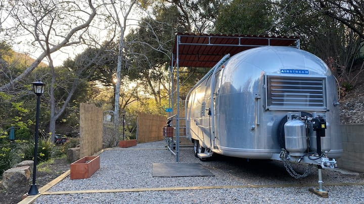 Vintage '65 Airstream ~ Glamping 1/2 mile to beach