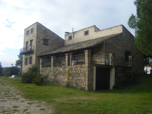El Castillete - Galapagar - Almhütte