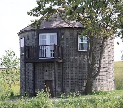 The Corn Crib Cottage
