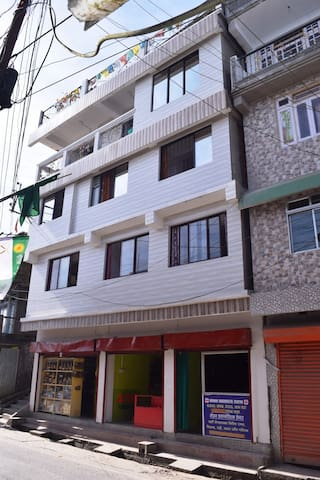 Dzamabal Homestay Single Beded