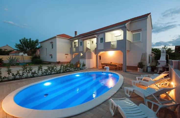 House with swimming pool - Zadar - House