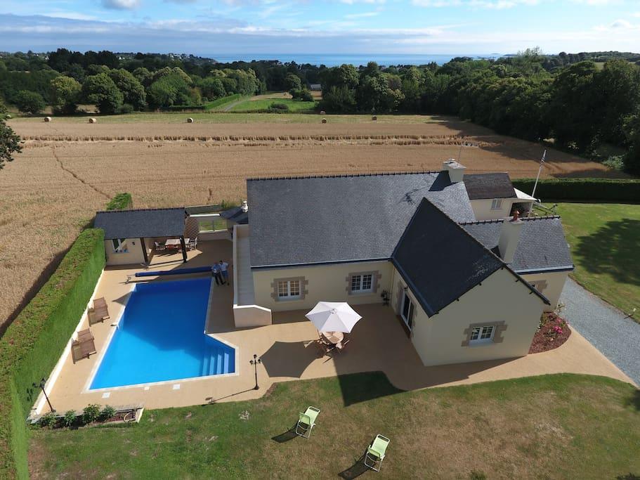 Maison st cast avec piscine maisons louer saint cast for Camping st cast le guildo avec piscine