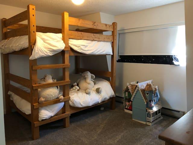 Bedroom 2. Double-double bunk bed.