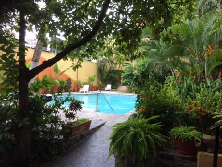 La Ceiba Suites