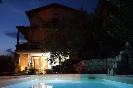 B&B Mary's dream Camera Doppia viol - Lettomanoppello - Bed & Breakfast