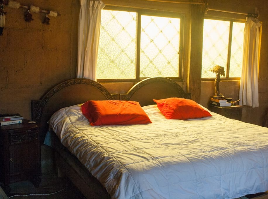 Súper cómoda cama king size