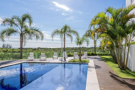 Beautiful apartment w/ sea view at Campeche Beach