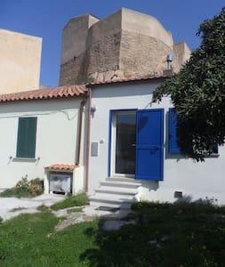alloggio guarnigione del forte di Sant'Andrea - La Maddalena