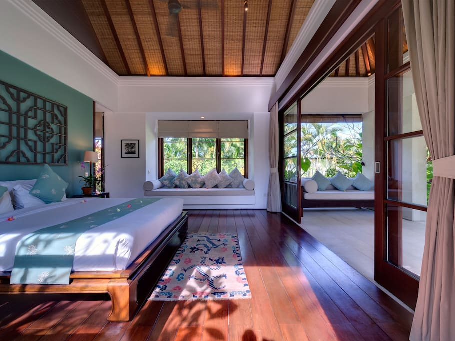 70 sqm / 755 sqft of space including an outdoor shower, a veranda and a private entrance.