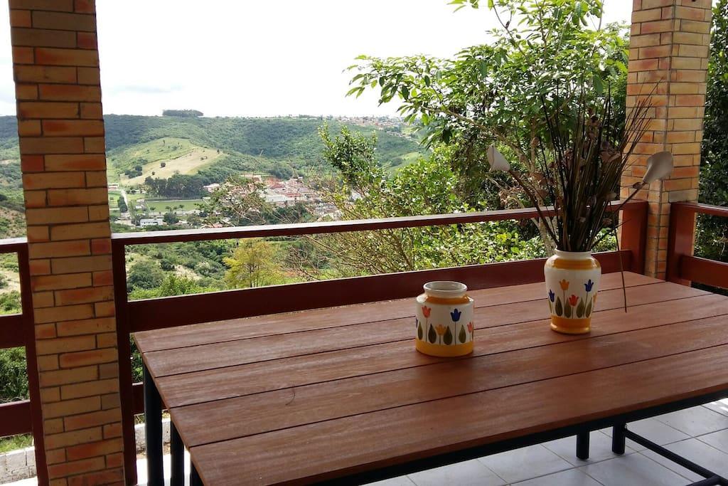 varanda com vista para Bananeiras