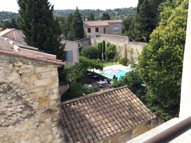 lumineux, dans Centre Historique - Villeneuve-lès-Avignon - Apartment