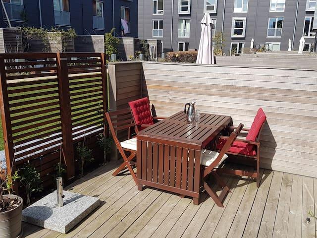 130 m2 modern terraced house with sunny terrace