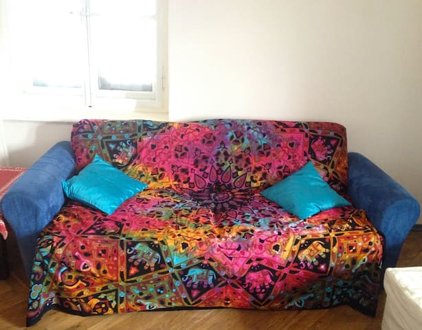 Comfortable & Low Cost Couch - Gorizia - Pis