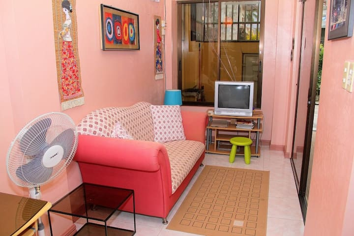 Artful Cow~Cosy, clean and safe - Davao City - Apartamento