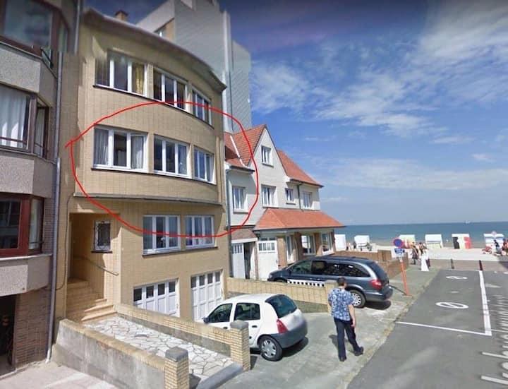 Ruim vakantieappartement met zeezicht