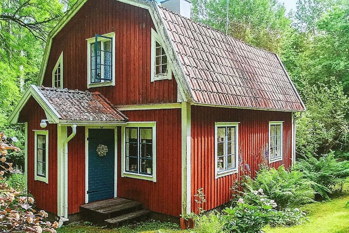 6 person holiday home in KARLSBORG