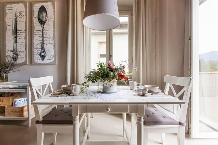 Elegante Residenza Storica - Massa - Apartment