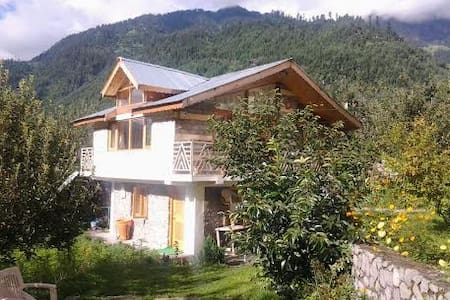 Manali B&B Cottage Accommodation - Bed & Breakfast