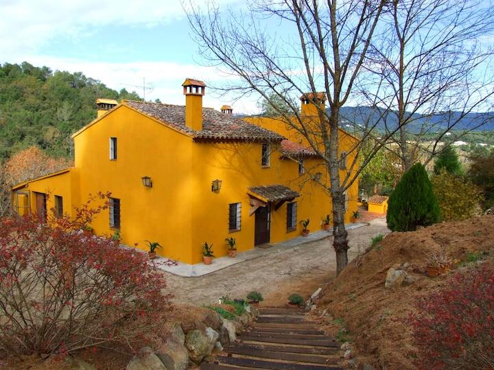 Cozy Masia near Barcelona