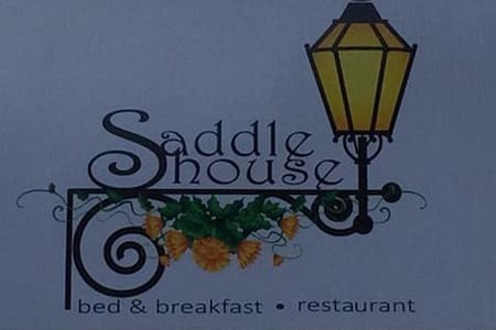 The Saddle House - Port-of-Spain - Bed & Breakfast