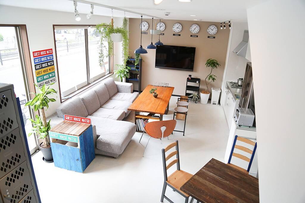 Living room (1F)