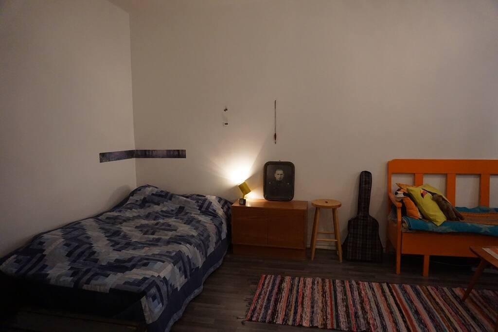 Room 1 (bed, 200x120 cm)  / Huone 3 (sänky 200x120cm)
