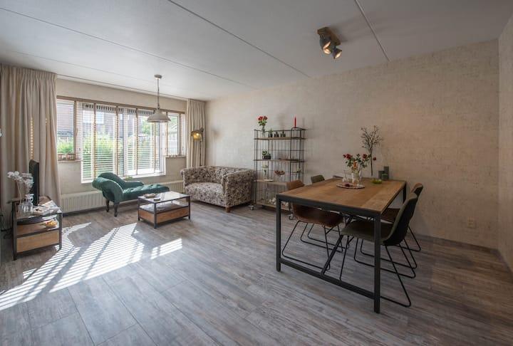Appartement, vlak bij Bakkum aan Zee en het bos.