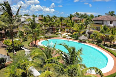 Dominicus 4 guests large pool, strong WIFI, TV, AC