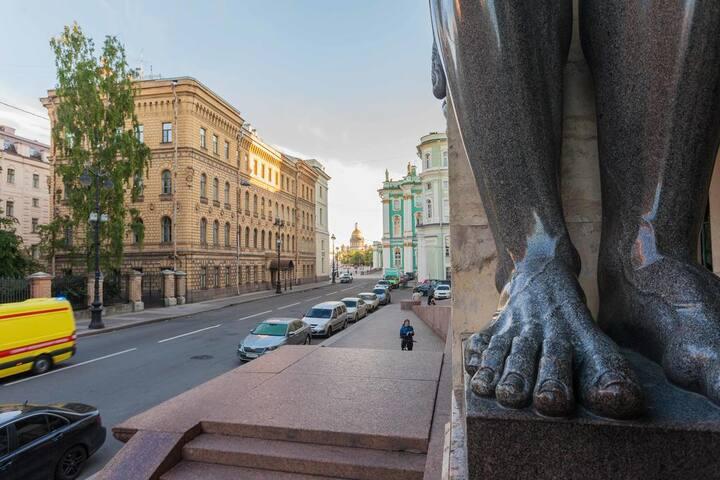 Начало Миллионной ул. | The beginning of Millionnaya st. and corner of Hermitage