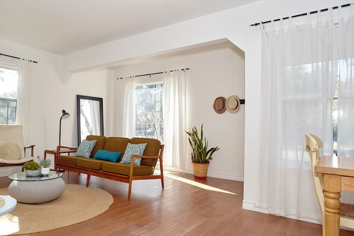 Bright, Airy 2BD2BA Spanish style Atwater bungalow