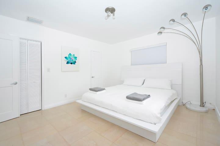 5BR + 5BATH + Ocean View Deck - Miami Beach - Hus