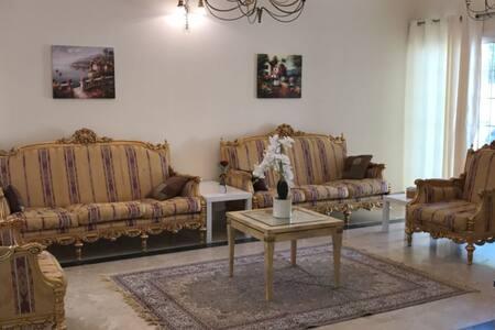 5 Bedroom Villa in Jumeirah 1 - Dubai - Vila