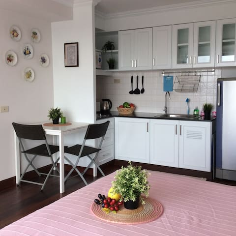 Newly renovated  apartment near the airport - Bangkok - Lägenhet