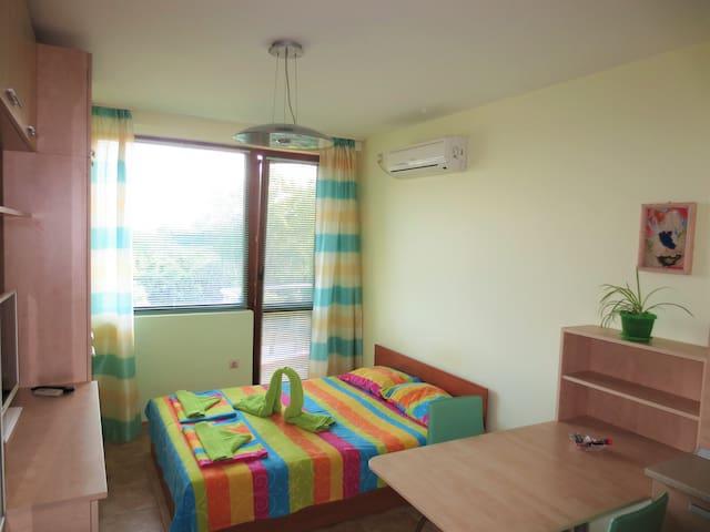 Sunny Studio for 2 in Fantasy Apartments