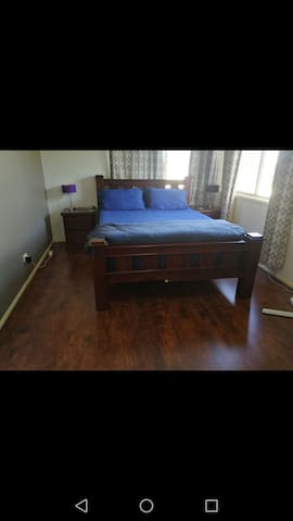 Spacious Towhouse Close To Harbour Town Gold Coast