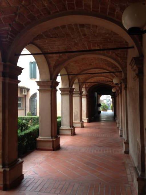 Portico del Palazzo per arrivare all'appartamento