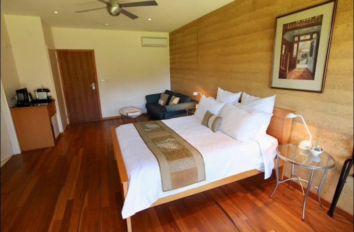 OLIVE APARTMENT @ The Orchard Luxury Accommodation