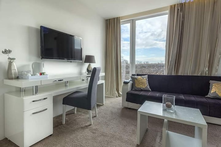 Plaza Delux Double Rooms
