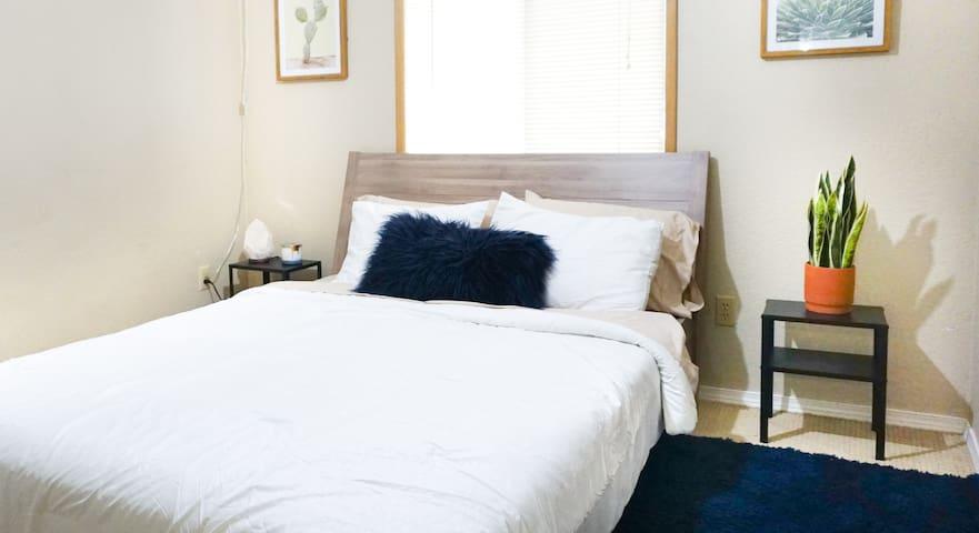 Boho Chic Apartment / Kirkland