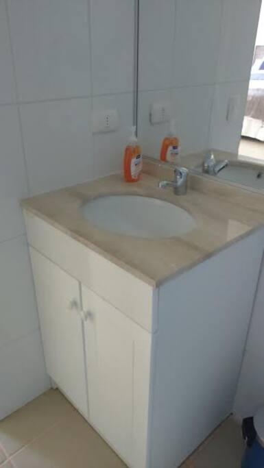 Lava manos baño