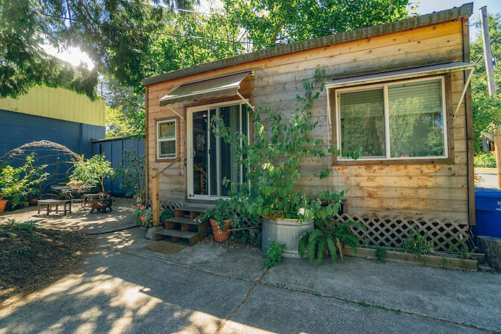 Tinyhome by Division! NOW SEEKING MONTH TO MONTH!
